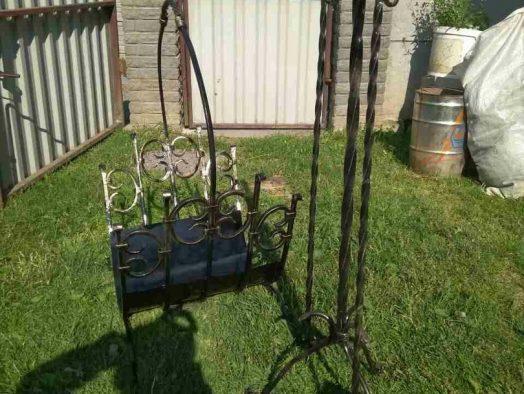 дровница - от 150 рублей, каминный набор - от 125 рублей
